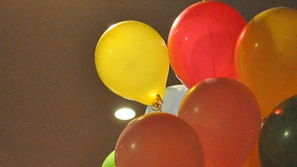 Sounds of balloons popping puts Boston schools on lockdown