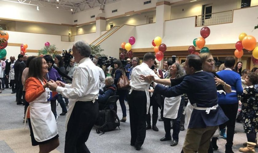 Hundreds get turkey with all the fixings at Goodwill's annual Thanks-For-Giving event