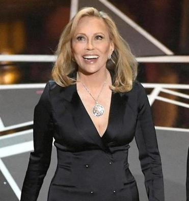 Faye Dunaway headed to Boston to star in pre-Broadway tryout of 'Tea at Five'