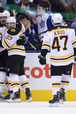 Bruins jump out early, come back to win Game 4