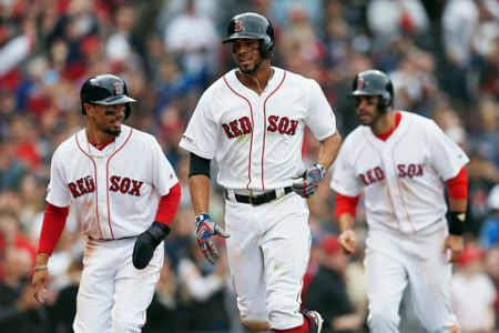LEADING OFF: Red Sox-Yankees, Lindor begins rehab assignment