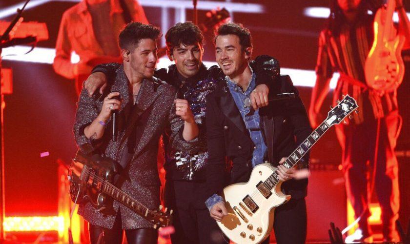 Jonas Brothers include Boston, Mohegan Sun on summer tour