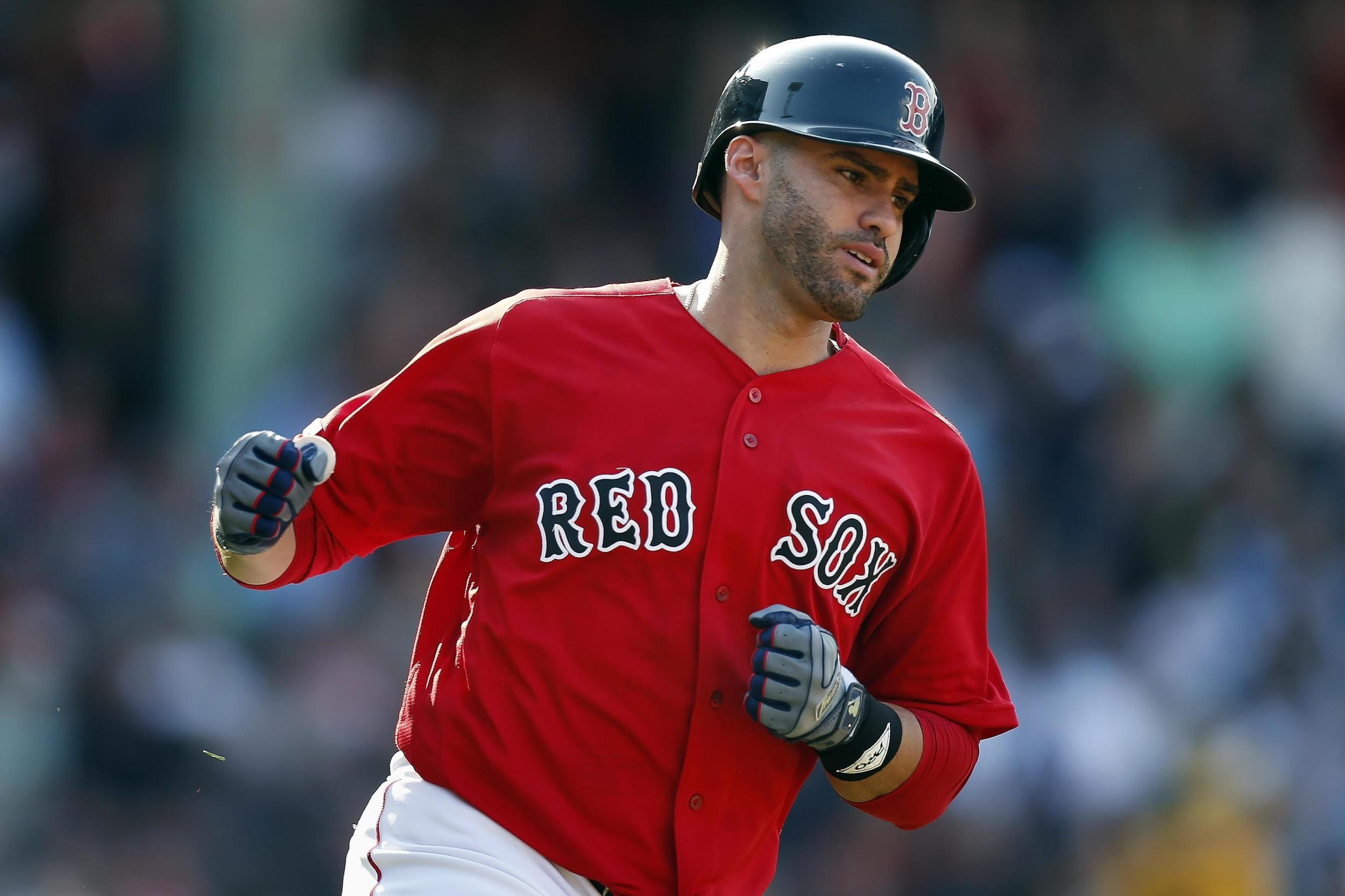 MLB roundup: J.D. Martinez, Andrew Benintendi hit homers, Red Sox pound Yankees 9-5