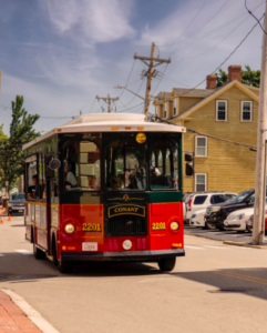 things to do in salem trolley tour